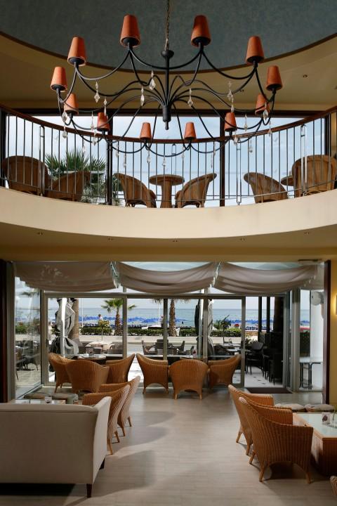 AQUILA-PORTO-RETHYMNO-HOTEL—CAFE-ANATOLIKO