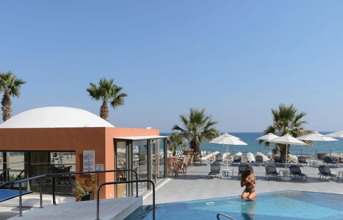 AQUILA PORTO RETHYMNO HOTEL – DECK POOL