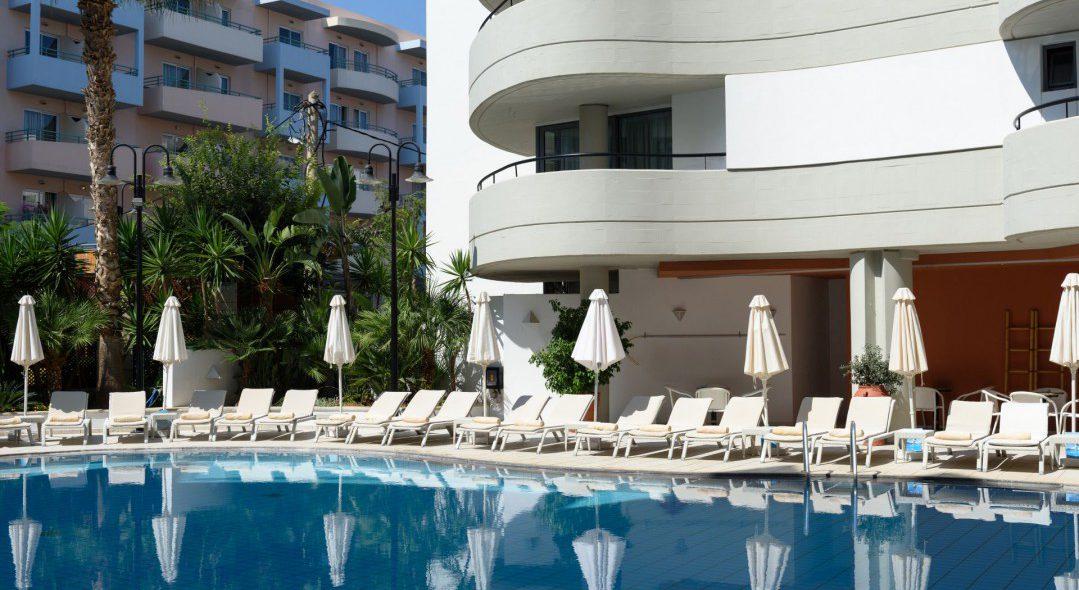 web_AQUILA PORTO RETHYMNO HOTEL - INTERIOR POOL 3