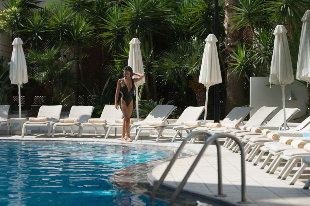 AQUILA PORTO RETHYMNO HOTEL – INTERIOR POOL